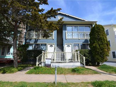 OCEAN BLOCK LOCATION!  MERE STEPS TO BEACH AND BOARDWALK IN REHOBOTH BEACH!