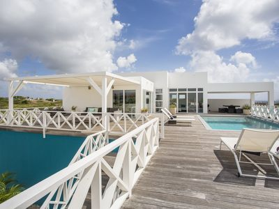 Very Luxerus, modern Villa with Sea View and private Pool