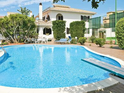 Photo for 5 bedroom Villa, sleeps 10 in Flumini with Pool, Air Con and WiFi