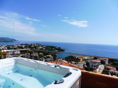 Photo for Luxury penthouse with terrace and jaquzzi the panoramic sea views