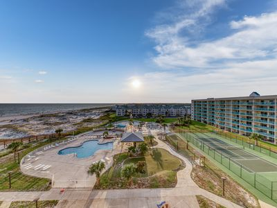 Photo for Cozy, waterfront condo w/shared hot tub, pool, views-walk to beach