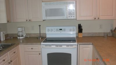Photo for 2 bedroom condo sleeps 4 right in the middle of Myrtle , close to eveything ,Myr