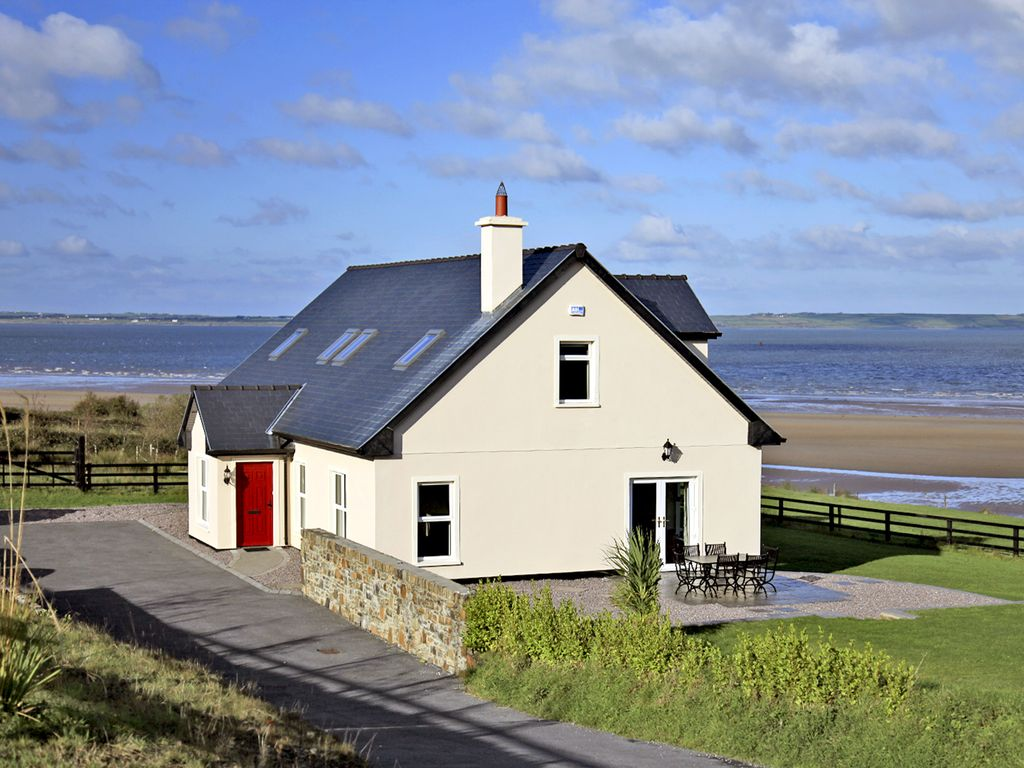 Detached Dormer Bungalow For 8 9 Astee County Kerry