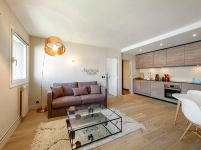 Photo for Beautiful 4p apartment near Eiffel Tower