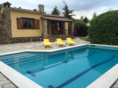 Photo for Detached house with pool, barbecue and garden 10min. of the beach. Ideal families