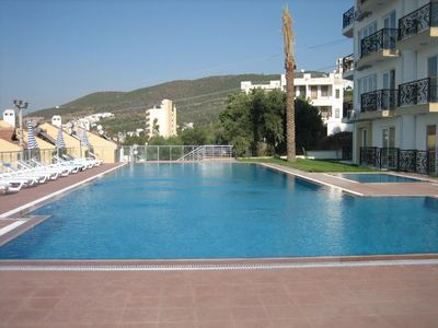 Photo for Luxurious 2 bed apartment in a great location by the sea