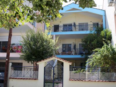Photo for Cheap holiday in a holiday house close to the beach | Nea Iraklitsa, Makedonia