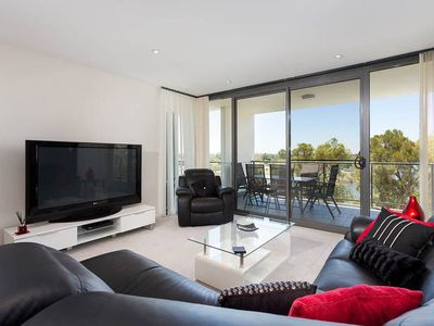 Photo for Fantastic location with stunning water views and the city as a backdrop.