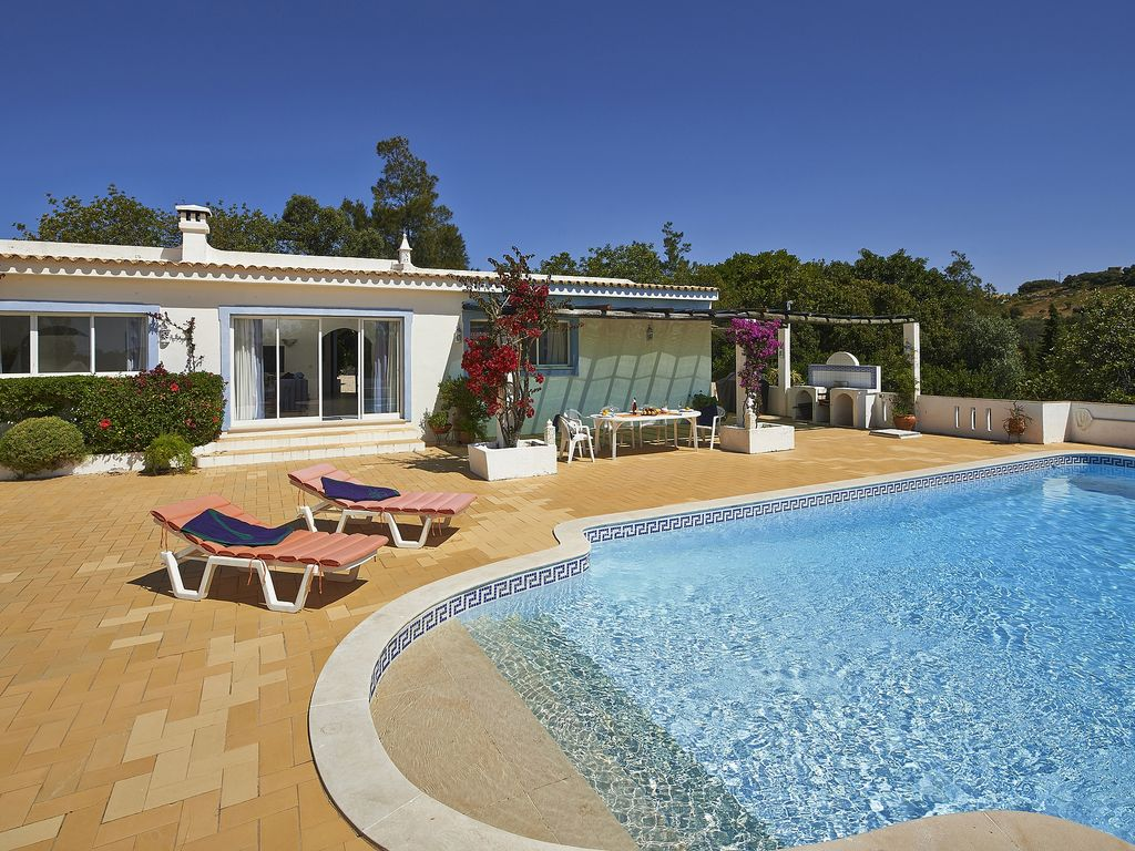 Spacious family villa, private pool with delightful panoramic views to the coast