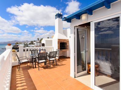 Photo for Apartment with Sea View, Wi-Fi, Balcony and Air Conditioning
