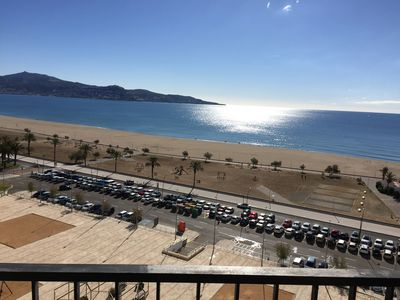 Photo for 2 Bedrooms- Balcony with beautiful views, Beachfront, Family friendly