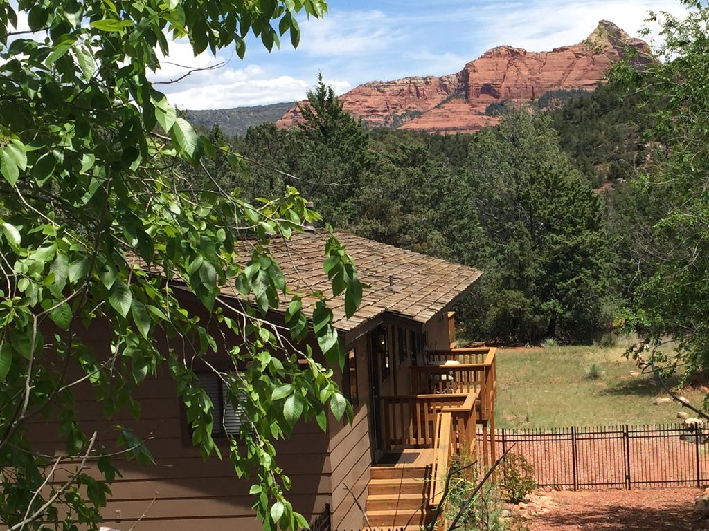 59e0a08949 Sedona s LAND   NATURE LOVER S PARADISE -- Walk to Town   Trails - New Hot  Tub! - Uptown Sedona