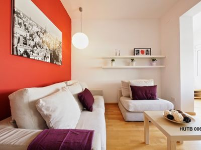 Photo for Apartment in the center of Barcelona with Internet, Air conditioning, Lift, Washing machine (443386)