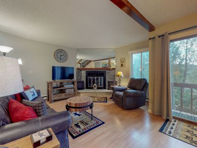 Photo for NEW LISTING! Charming condo w/sun room & patio-near golf, town & nat'l park