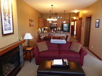 Photo for Beautiful 2-bedroom ski in/out condo with private hot tub at Settler's Crossing