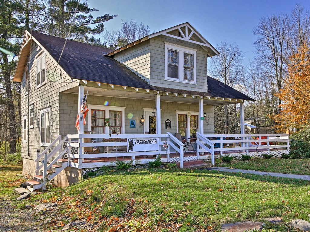Tannersville house rental - Escape to this beautiful 4-bedroom, 2-bathroom vacation