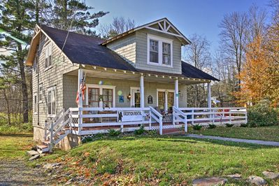 Escape to this beautiful 4-bedroom, 2-bath vacation rental home in Tannersville!