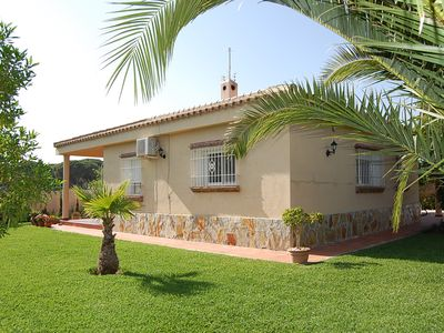 Photo for Beautiful house with large private garden. WIRELESS INTERNET ACCESS