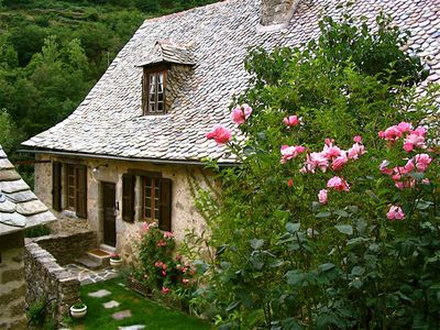 Photo for The old school: Charming cottage in the heart of the Lot valley.