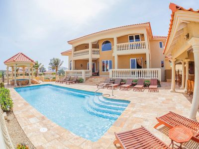 Photo for 5 bedroom estate home with breathtaking view