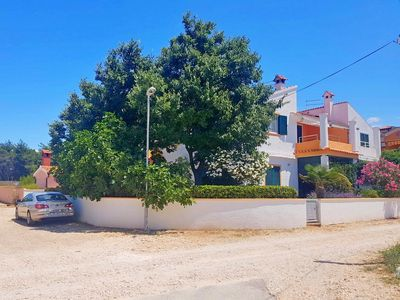 Photo for Apartments Nikola, (15005), Vrsi, Croatia
