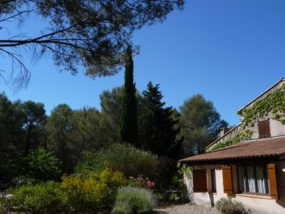 Photo for 2 star cottage for two people, between Salon and Aix-en-Provence
