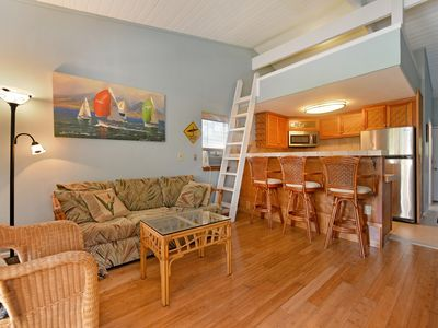 Photo for Pohailani Relaxing West Maui Oasis 2BD/1B w/AC & loft