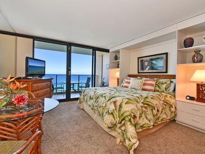 Photo for Amazing  ocean front Studio / 1 BA condo in Lahaina, Sleeps 2