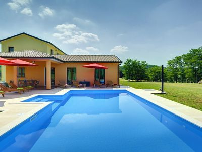 Photo for Magnificent villa with private pool, 3 bedrooms, 3 bathrooms on a 14,000 m² plot - dogs are also welcome here