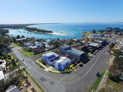 Photo for Fantastic location - Husky main street! Modern renovated studio - 750m to beach!