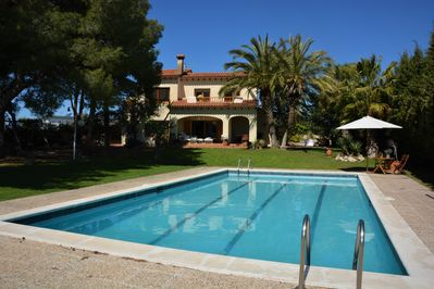 A very cosy villa of 250 M2. Fully renovated in May 2019.