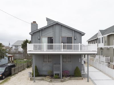 Photo for 2 blocks to the beach, short walk to downtown shopping, restaurant and entertainment, 1/2 block to the municipal fishing pier which is well maintained and lit for nighttime fishing. Large Deck, Cleaning Included. 4 off street parking spaces.