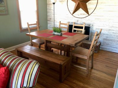 Seating for 6 at the dining room table.