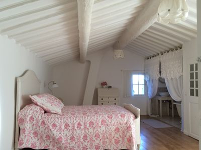 Photo for Charming house in Provence with panoramic views, 3km from the beach