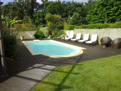 Photo for contemporary house with swimming pool, ideal location to discover the Bassin