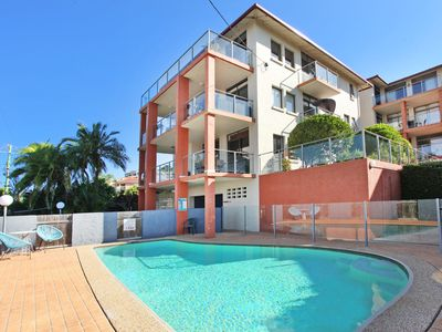 Photo for Unit 2, Cooltoro Court, 7 Frank Street Coolum Beach, 400 BOND, LINEN INCLUDED