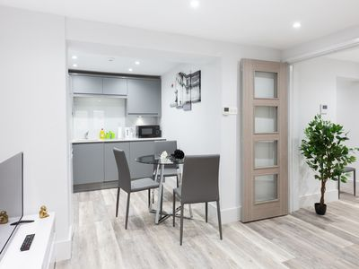 Photo for Two Bedrooms Apartment with Garden In Little Venice