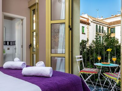 Photo for DUPLEX PLAZA MORAVIA, LUMINOUS WITH 3 BALCONIES AND IN THE OLD TOWN OF SEVILLE