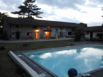 Great Bresse farm quiet with swimming pool and extensive private garden