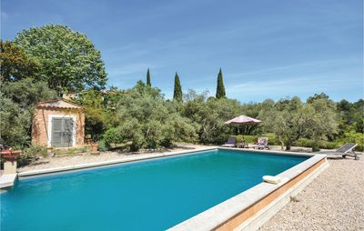 Photo for 1 bedroom accommodation in Les Baux de Provence
