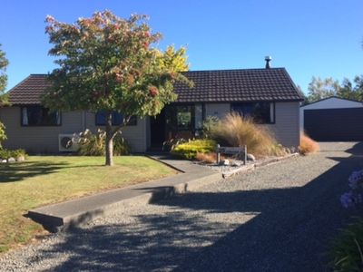 Photo for Cosy Te Anau Holiday House with Unlimited WIFI and Sky TV including Sports