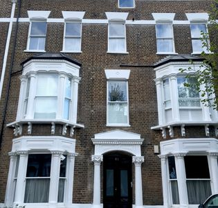 Photo for Cosy 1Bed Apartment in Lovely Hampstead Heath