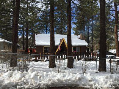 Photo for A cozy Big Bear getaway with all the space, privacy and comfort you need.