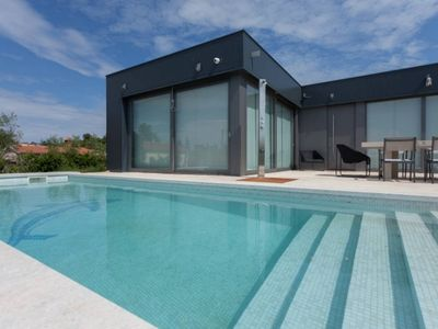 Photo for Modern Villa close to art, great views, restaurants and the beach