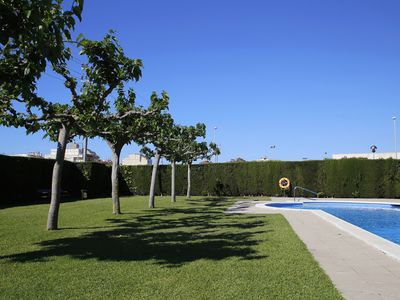 Photo for AT039 LES DUNES: Apartment with A/C and pool 300 m from the beach