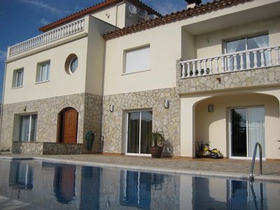 Photo for Excellent villa 12 pers. 5 minutes from the best beaches in Costa Brava