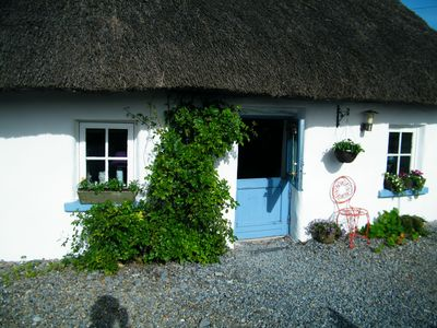 200yr old Thatched cottage full of atmosphere and history.