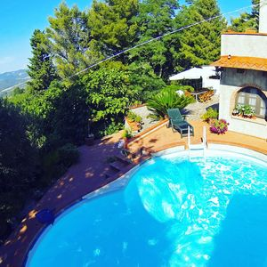 Photo for Comfortable apartment, pool, wifi, only 12 km from the sea, gr. terrace