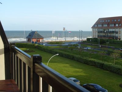 Photo for Large T2 with sea view loggia, 80 m from the supervised beach and the Paléoscope