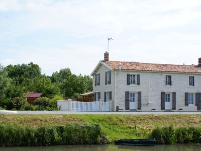 Photo for Cottage in the heart of the Marais Poitevin